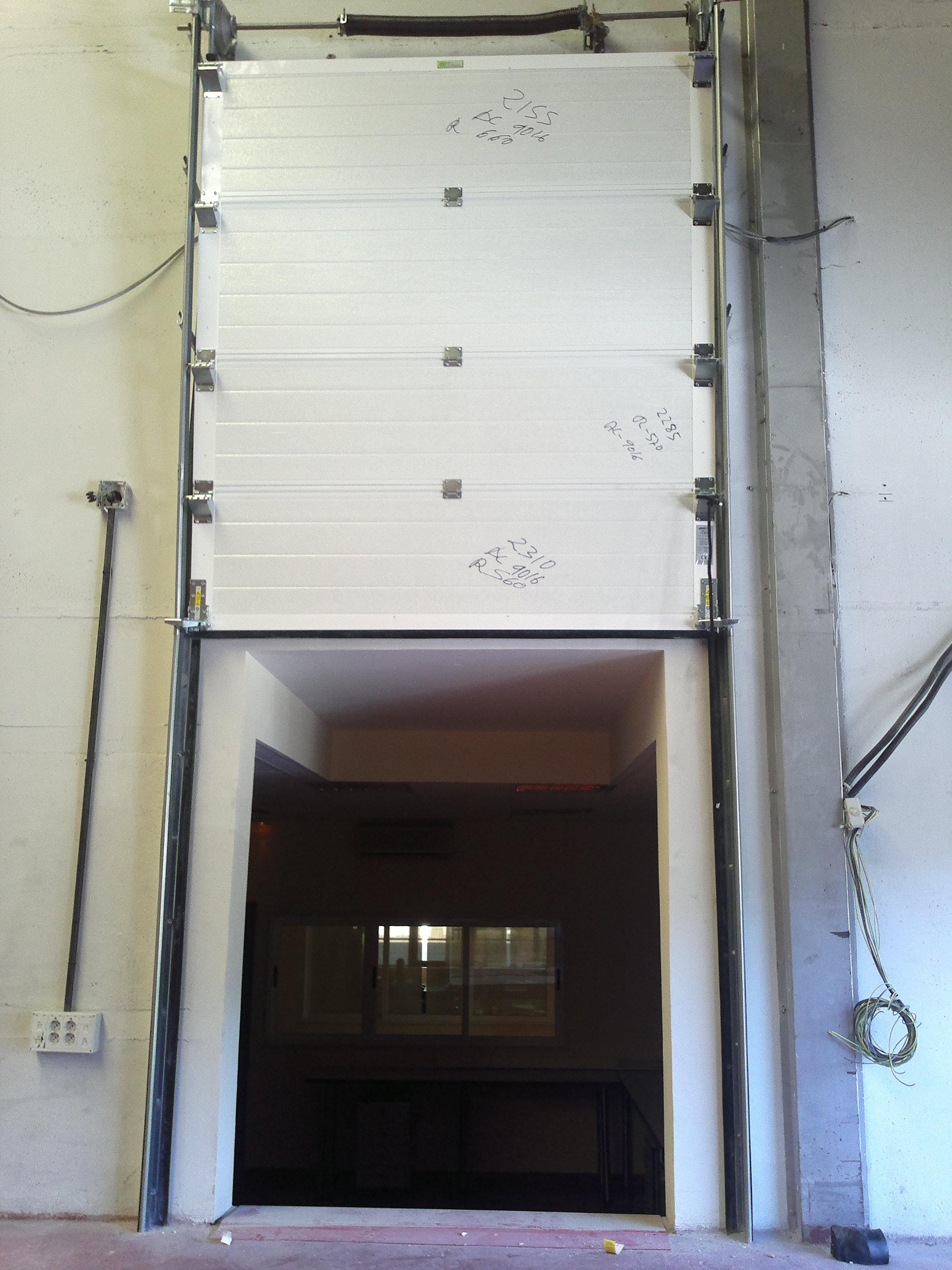 Mantenimiento de puertas automáticas industriales