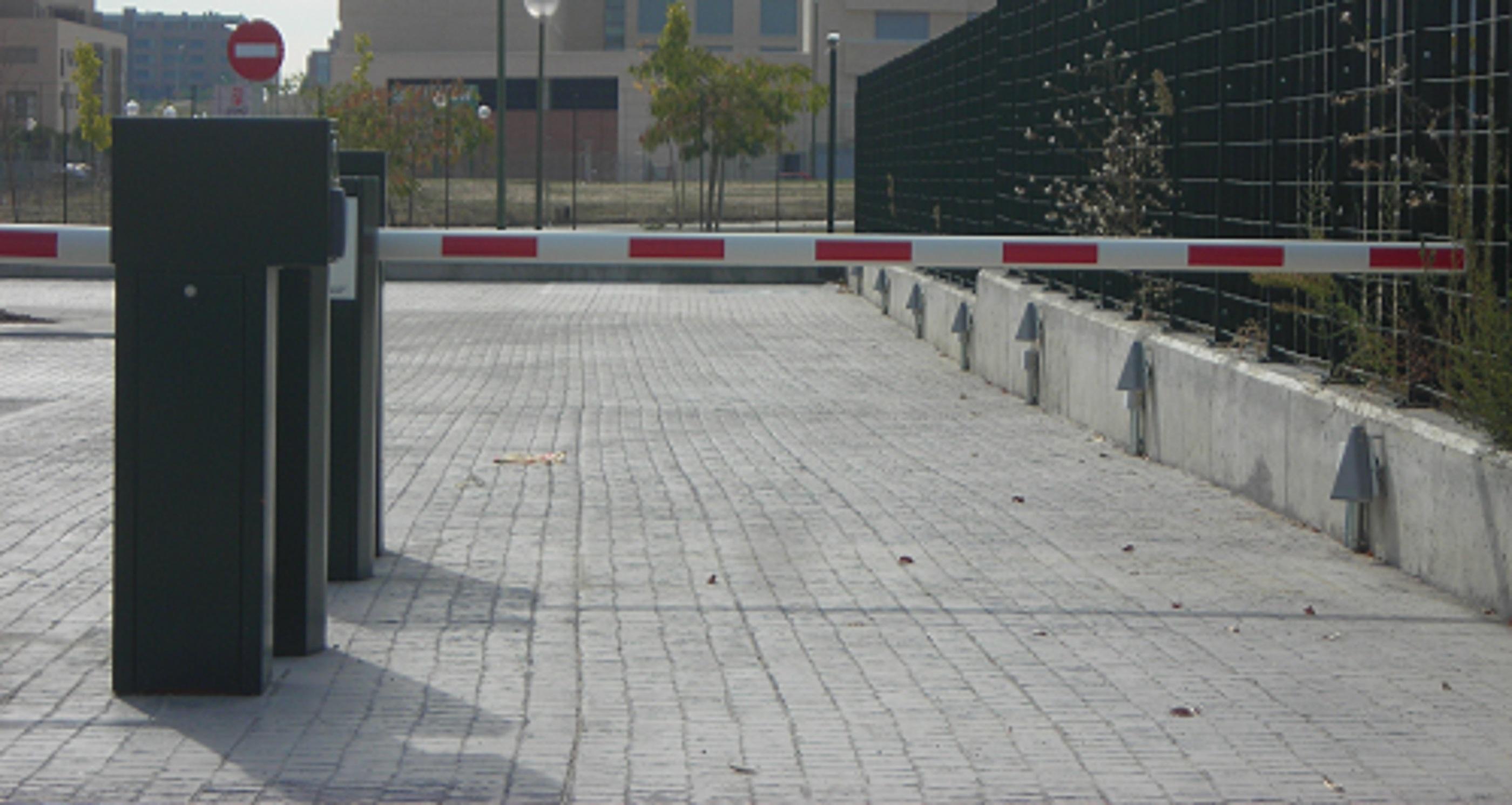 Instaalción de barreras de carretera