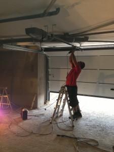 Instalación de motor de techo
