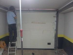 Instalador de puerta seccional roper