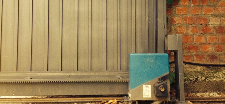 Motores de corredera puertas autom ticas servidoors for Motor puerta automatica