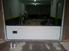 Puertas seccionales de garaje madrid - Burletes para puertas de garaje ...