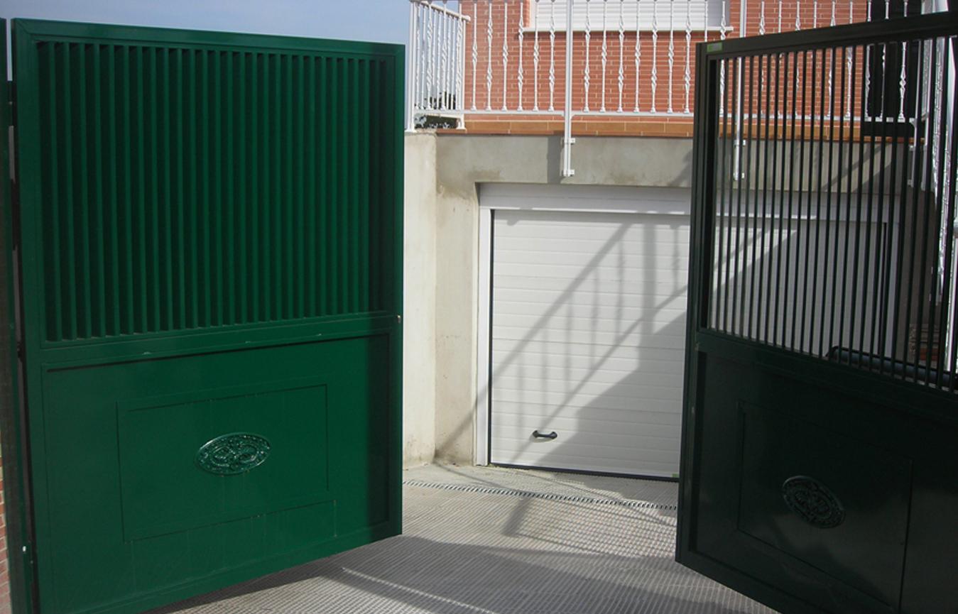 Automatismos para puertas autom ticas puertas - Puertas abatibles garaje ...