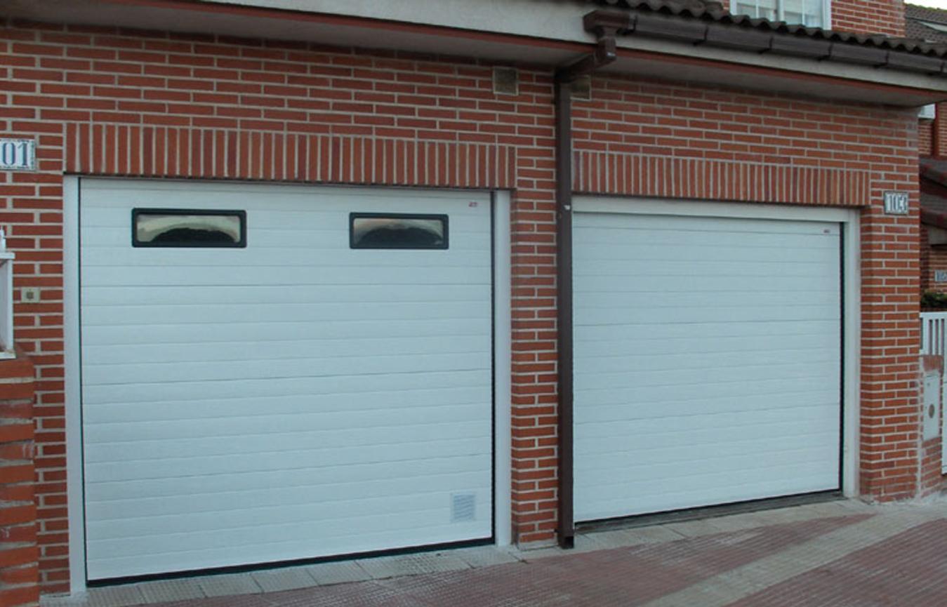 Puertas de garaje tipos de puertas servidoors puertas for Puertas automaticas garaje