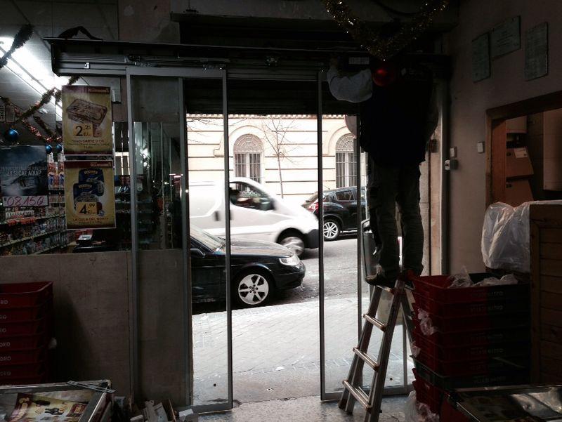Instalación de puerta de cristal en Madrid