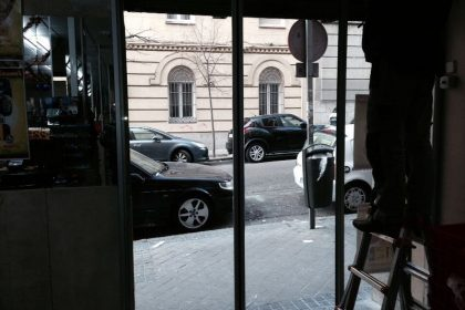 Puerta de cristal automática cerrada