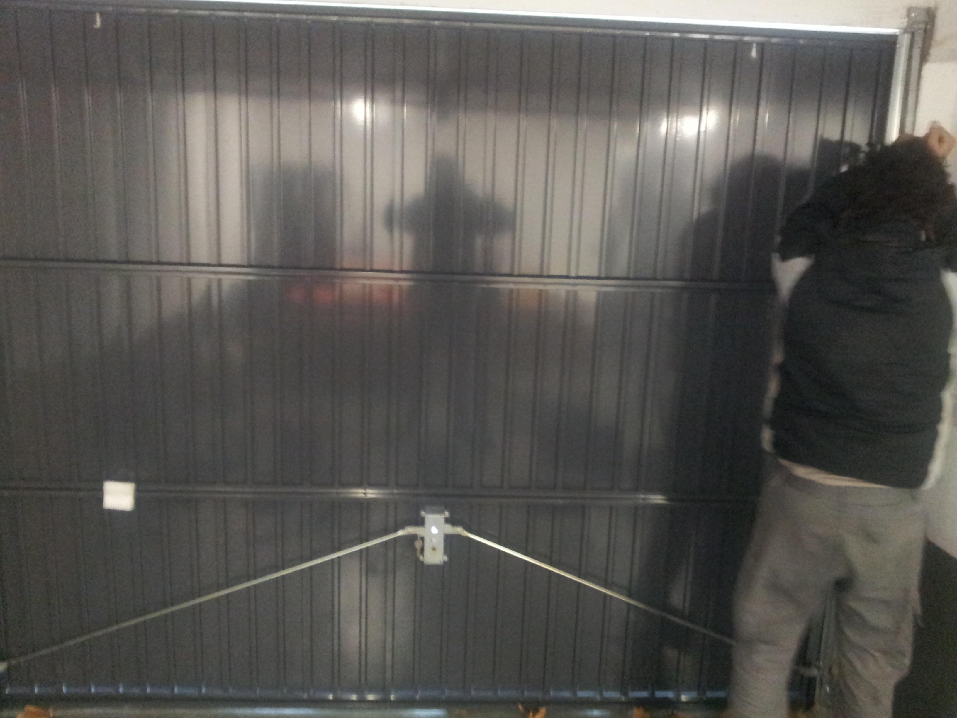 Instalador de puertas abatibles en La Moraleja, Alcobendas