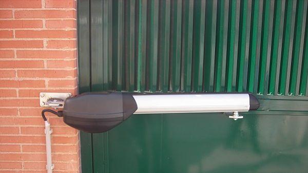 Puertas autom ticas para comunidades de vecinos puertas - Motores electricos para puertas ...