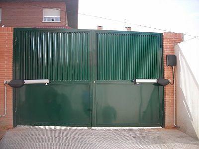 Automatismos de puertas de garaje puertas autom ticas for Brazos puertas automaticas